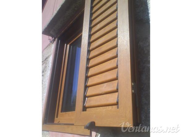 Im genes de jmgarc a aluminio pvc madera for Ventanas pvc madera