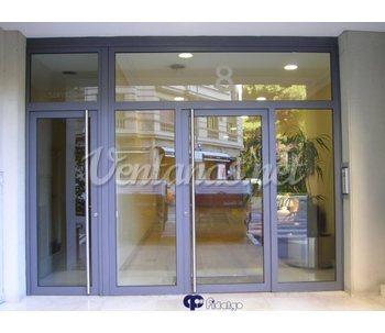 Ventanas dom sticas barcelona for Puertas monoblock precio